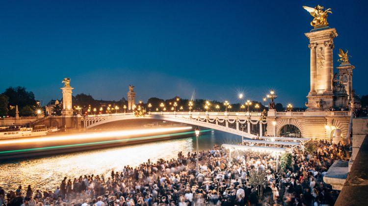 faust-paris-river-seine