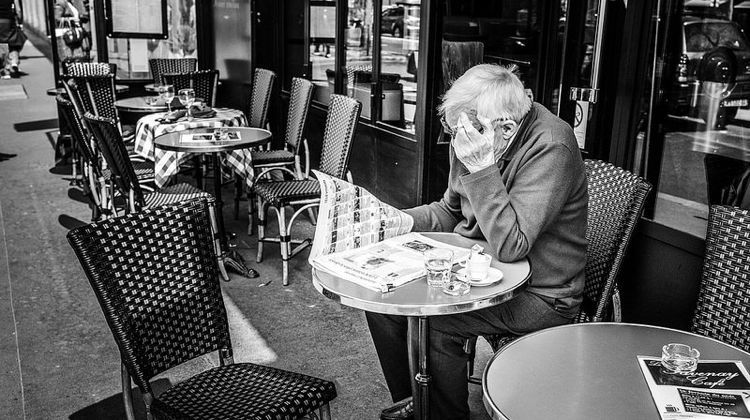 wt-paris-walks-terrace-coffee-read-credit-CarlitoPix