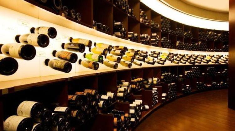 wt-wine-tasting-paris-lavinia