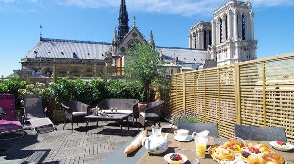 wt-guest-apartment-paris-view-penthouse-terrace-overlooking-notre-dam
