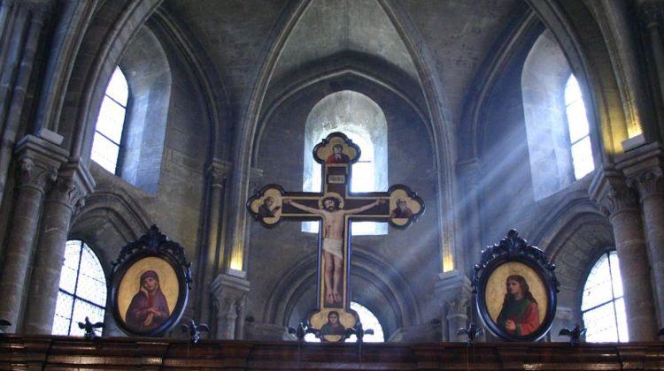 wt-paris-church-saint-julien-pauvre