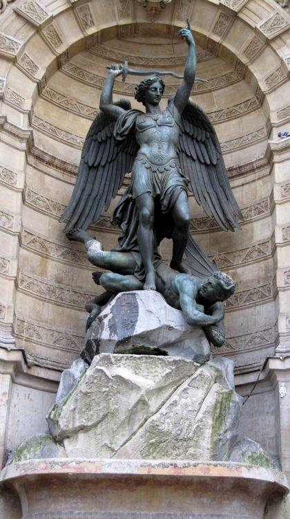 wt-paris-saint-michel-fountain