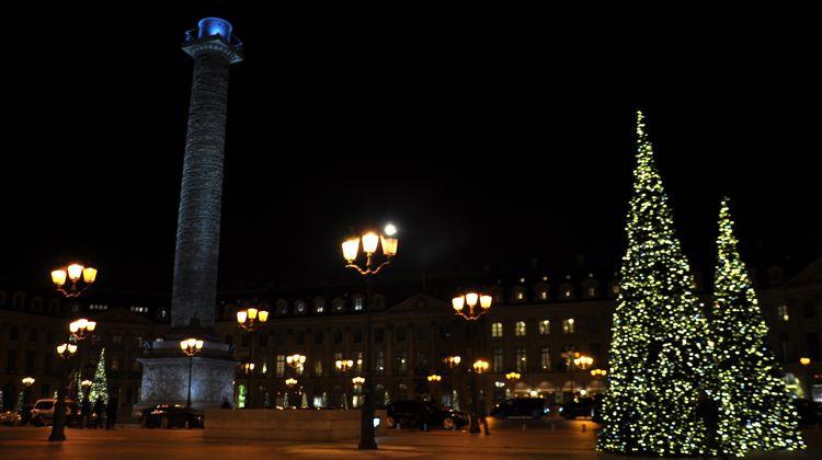 wt-place-vendome-trees-christmas-2016