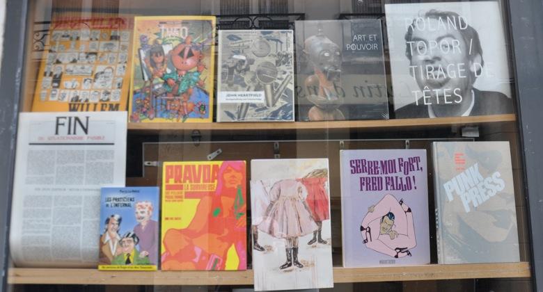 Paris bookshop window selection, Un Regard Moderne, 10 Rue Gît-le-Cœur, 75006 Paris