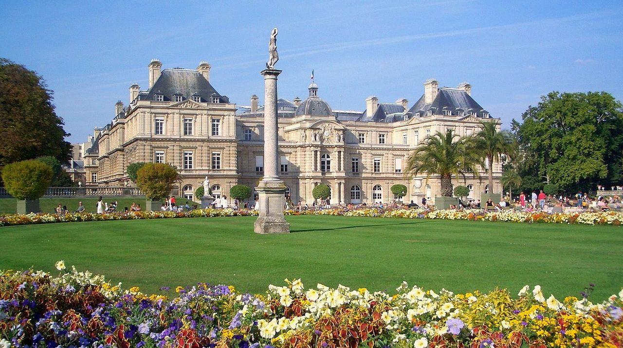 Jardin du Luxembourg, summertime.